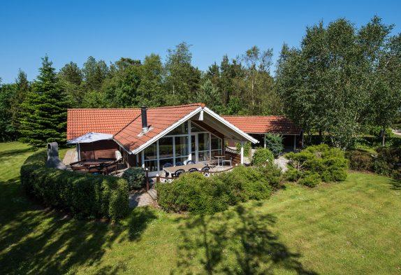 Schön gelegenes Ferienhaus mit Sauna, Whirlpool und Hund erlaubt