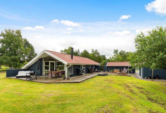 Schönes Ferienhaus mit Sauna, Kaminofen und schöner Terrasse
