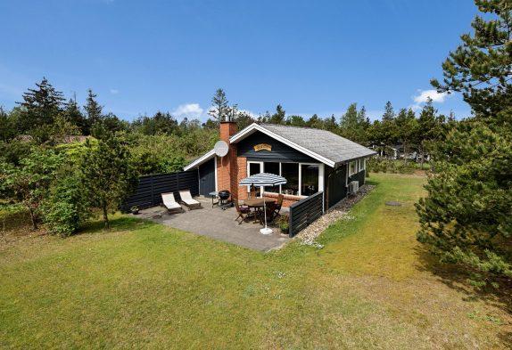 Gemütliches Ferienhaus mit Kaminofen auf einem schönen Naturgrundstück