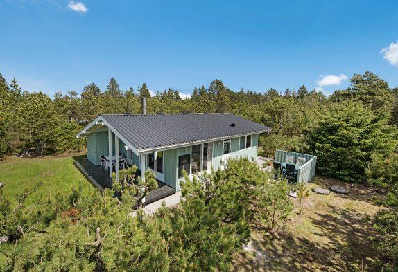 Gemütliches Holzhaus in mitten der Natur