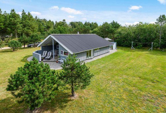 Wunderschönes Ferienhaus mit Sauna und Whirlpool in Houstrup