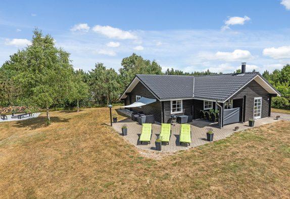 Helles und modernes Ferienhaus mit Whirlpool und Sauna