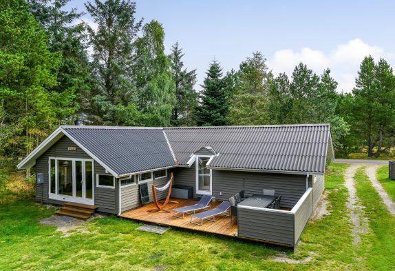 Hundefreundlich, renoviertes Ferienhaus mit Whirlpool in Houstrup