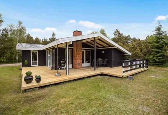 Ferienhaus mit Sauna auf schönem, ruhigen Grundstück in Houstrup