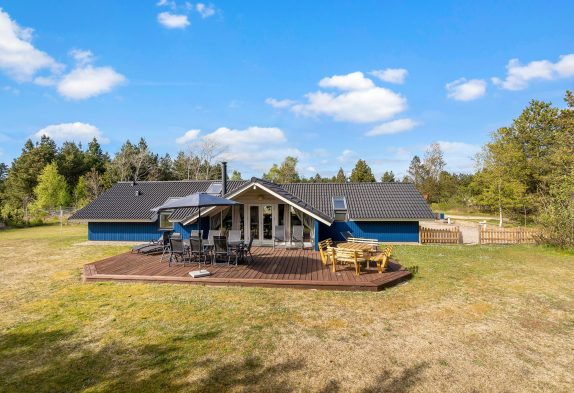 Ein helles und modernes Ferienhaus mit Whirlpool und Sauna