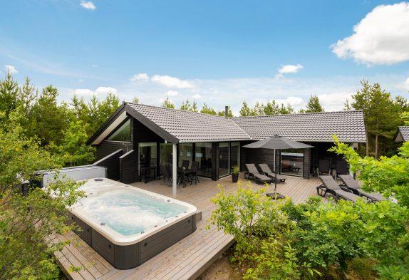 Top Ferienhaus mit Sauna und Schwimmspa mit Außenwhirlpool