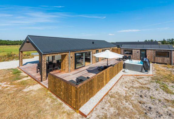 5-Sterne-Haus mit Poolbillard undAußenwhirlpoolinHoustrup