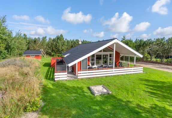 Gemütliches Ferienhaus mit Whirlpool und Sauna in ruhiger Lage