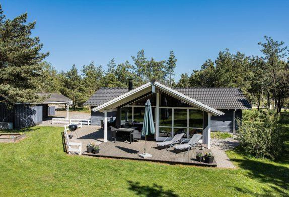 Wohlfühlhaus mit Sauna und Whirlpool in ruhiger Lage