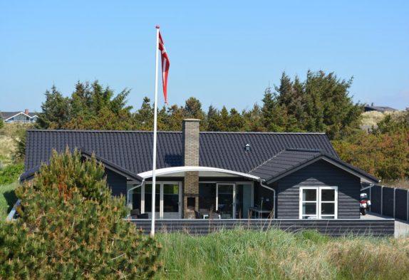 Exklusives Luxusferienhaus mit Aktivitätsraum in Henne Strand