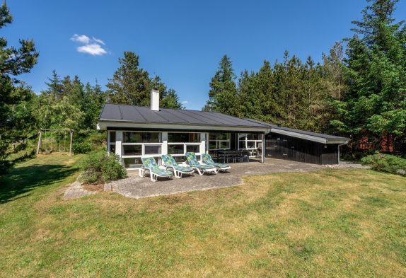 Energiesparendes Poolhaus mit Whirlpool und Sauna für bis zu 10 Personen