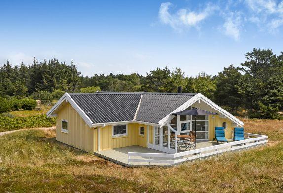 Herrliches helles Ferienhaus mit Sauna auf einem schönen Naturgrundstück
