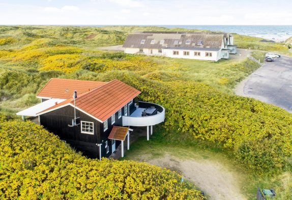 Ferienhaus mit Whirlpool, Sauna und nur 100 meter zum Strand