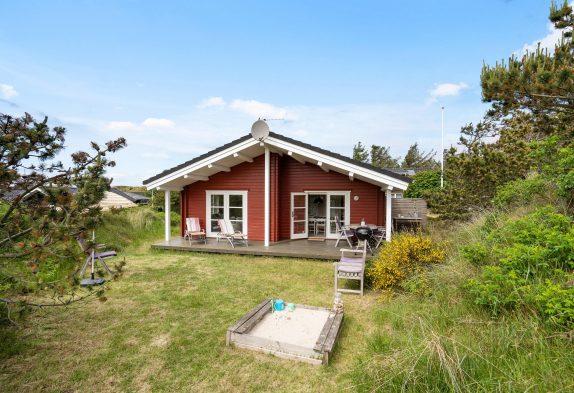 Schnuckeliges, strandnahes Sommerhaus mit Kaminofen in Vejers