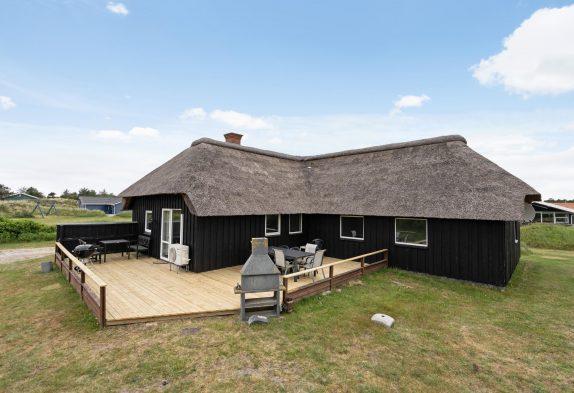 Tolles Ferienhaus mit Pool und riesigem Grundstück