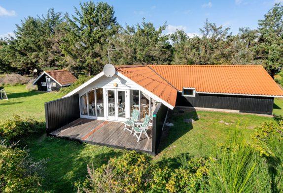 Einfaches Sommerhaus mit Wintergarten, 2 Hunde erlaubt