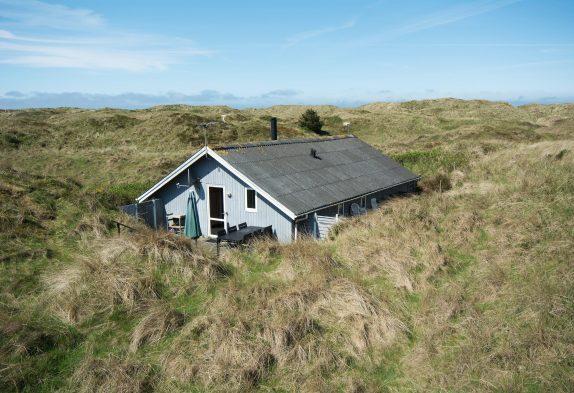 Uriges Holzhaus mit Kamin nur 150 Meter vom Meer entfernt