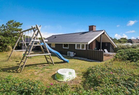 Gemütliches Sommerhaus nur 400 m vom Strand