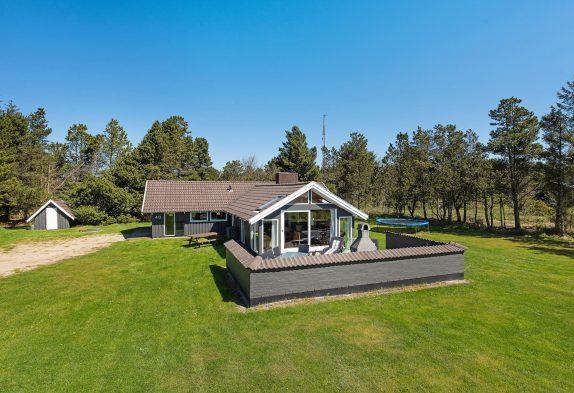 Gemütliches Ferienhaus mit Sauna auf tollem Grundstück, 2 Hunde