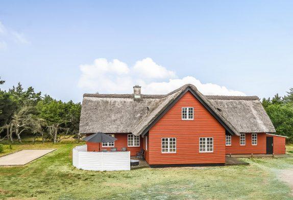 Charmantes Reetdachhaus, Whirlpool, Sauna, grosses Grundstück
