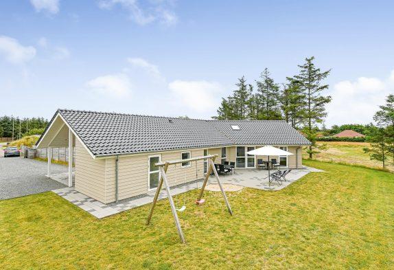 Schönes Ferienhaus mit Aktivitätsraum, Sauna und Whirlpool