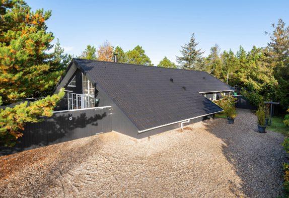 Familienferienhaus mit Pool und Whirlpool zusammen mit euren Vierbeinern