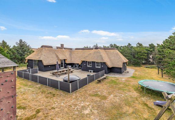 Strandnahes Poolhaus für 10 Personen, Sauna und Whirlpool
