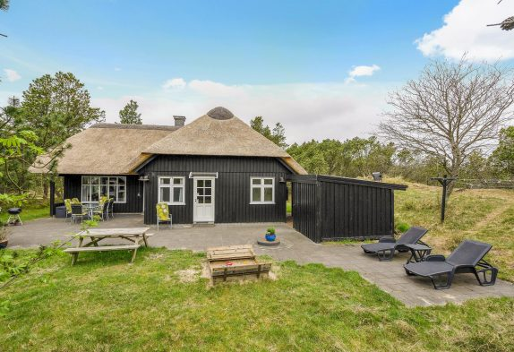 Hundefreundliches Reetdachhaus in Sackgassenlage in Blåvand