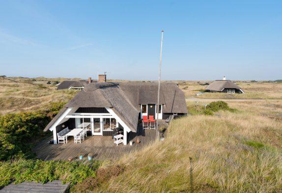 Top gepflegtes Reetdachhaus in toller Lage inBlåvandfür Vier