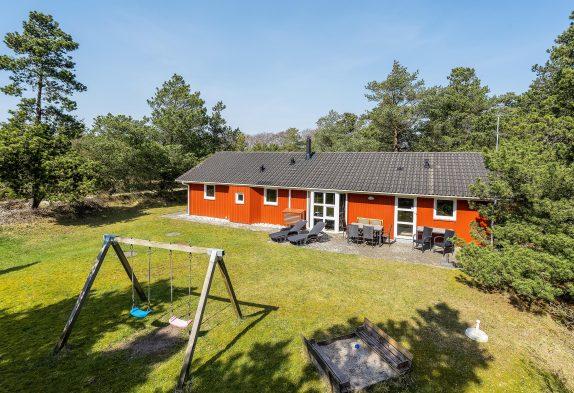 Traditionelles Ferienhaus mit Standwasserwhirlpool und Sauna