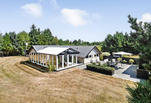 Ferienhaus mit Whirlpool und Wintergarten in ungestörter Umgebung
