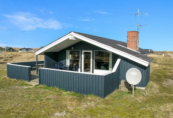 Ferienhaus mit Kaminofen in Bjerregård