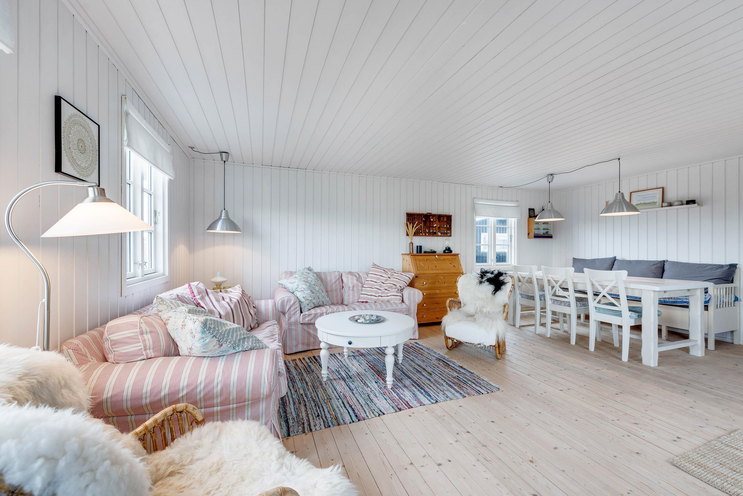 Gemütliches Holzhaus mit Kaminofen (Bild 7)