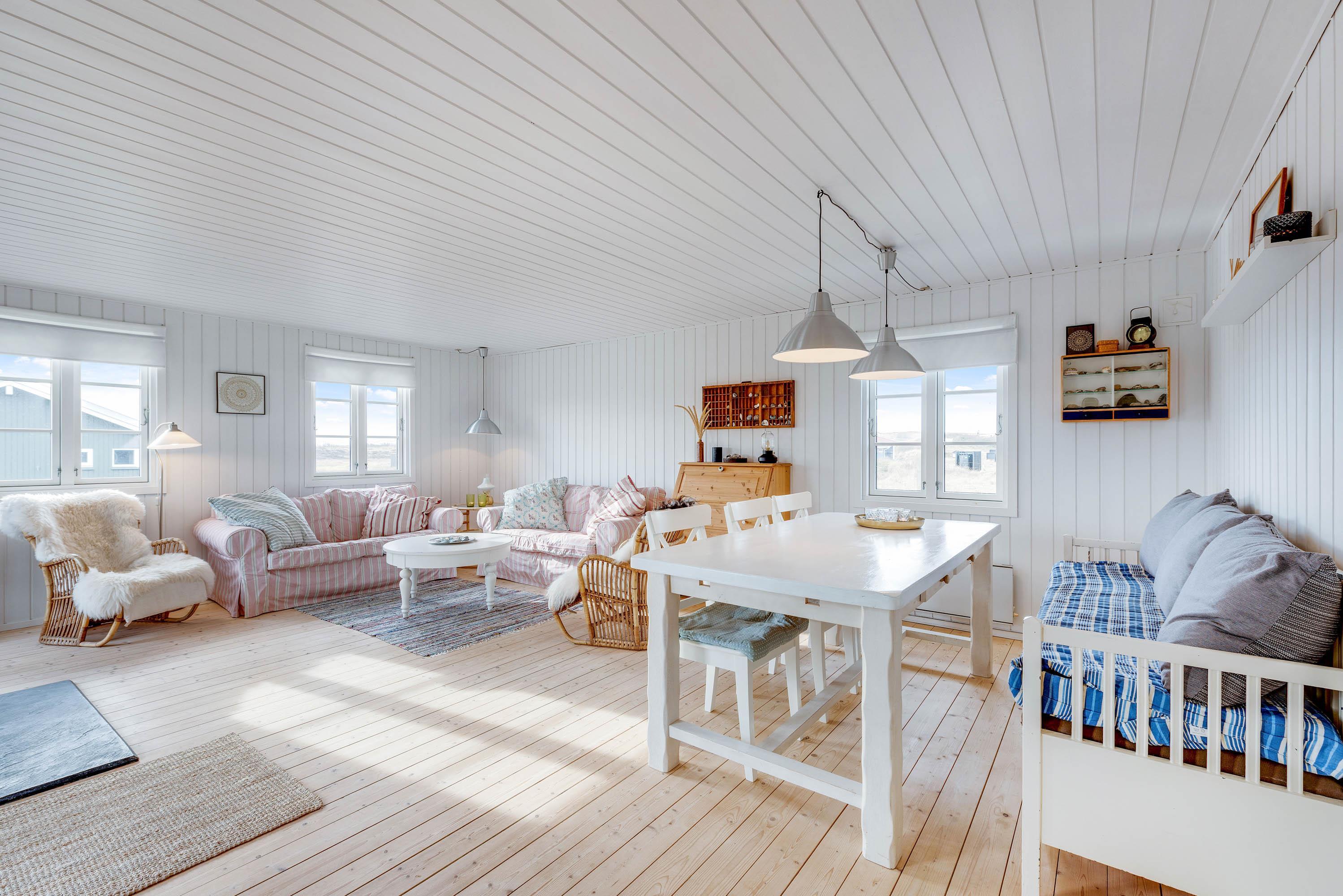 Gemütliches Holzhaus mit Kaminofen (Bild 8)
