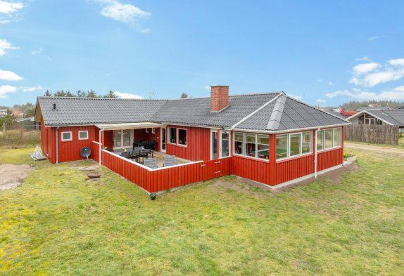 Schönes 10 Pers. Haus mit Whirlpool, Sauna und Aktivitätsraum, ideal für 2 Familien