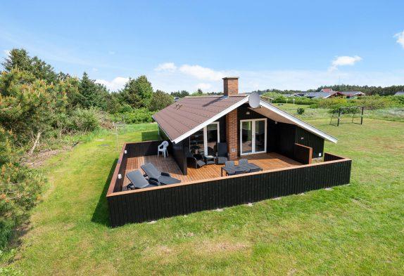 Ferienhaus in Bjerregård mit eingezäunter Terrasse