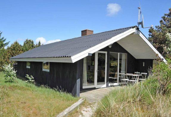 Hyggeligt feriehus beliggende i Bjerregård, Danmark