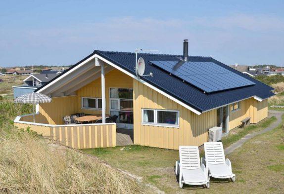 Gepflegtes Ferienhaus mit Whirlpool in Dänemark