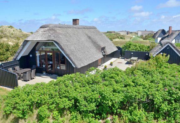 Gepflegtes Ferienhaus in ruhiger Lage direkt an der Heide