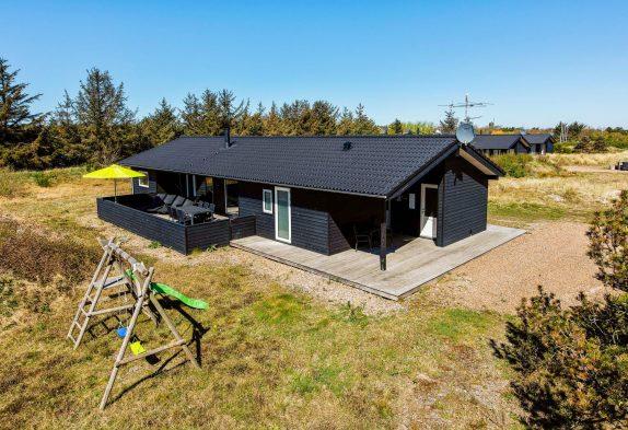 Modernes Ferienhaus mit Sauna und Whirlpool in ruhiger Umgebung