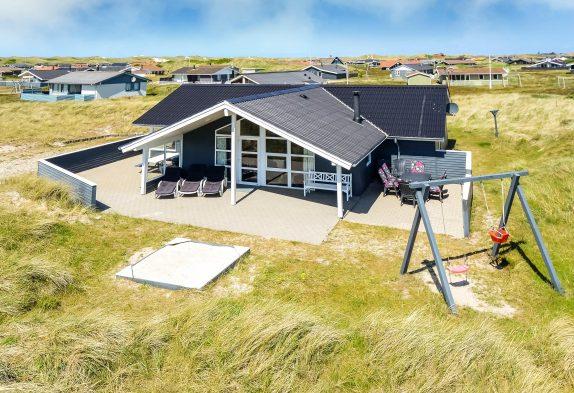 Strandnahes Luxusferienhaus für die große Familie