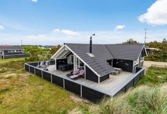 """Ferienhaus """"DELFI"""" mit Sauna und Whirlpool auf Naturgrundstück"""