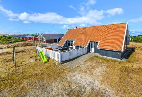 Ferienhaus mit Badetonne, Sauna und geschl. Terrasse