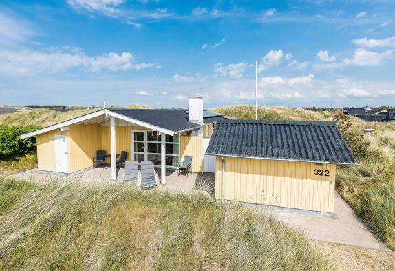 Schönes Ferienhaus mit Terrassen, Sauna & Whirlpool, nah am Meer