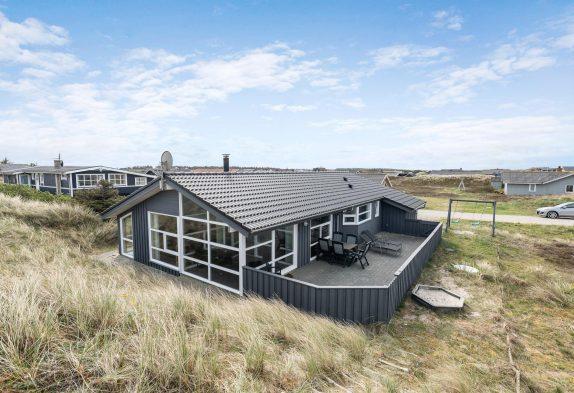 Tolles Ferienhaus mit Whirlpool und Sauna nahe am Strand