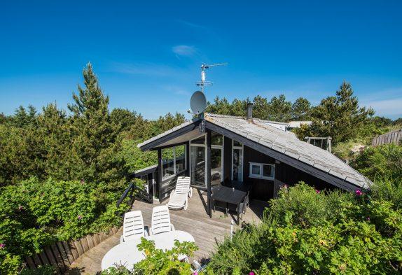 Schönes Ferienhaus mit tollen und geschützten Terrassen