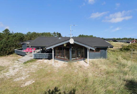 Ferienhaus in Bjerregård mit überdachter Terrasse