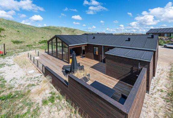 Luxuriöses Ferienhaus mit Sauna in strandnaher Lage mit Ausssendusche