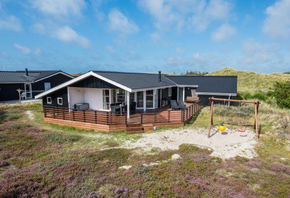 Helles und geräumiges Ferienhaus in der Nähe vom Strand