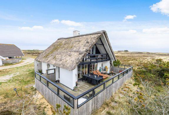 Individuelles Ferienhaus mit Reetdach und Charme